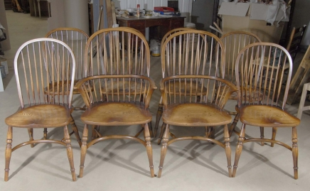 8 Farmhouse English Windsor Dining Chairs Yew