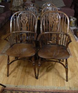 Set 8 English Farmhouse Windsor Dining Chairs